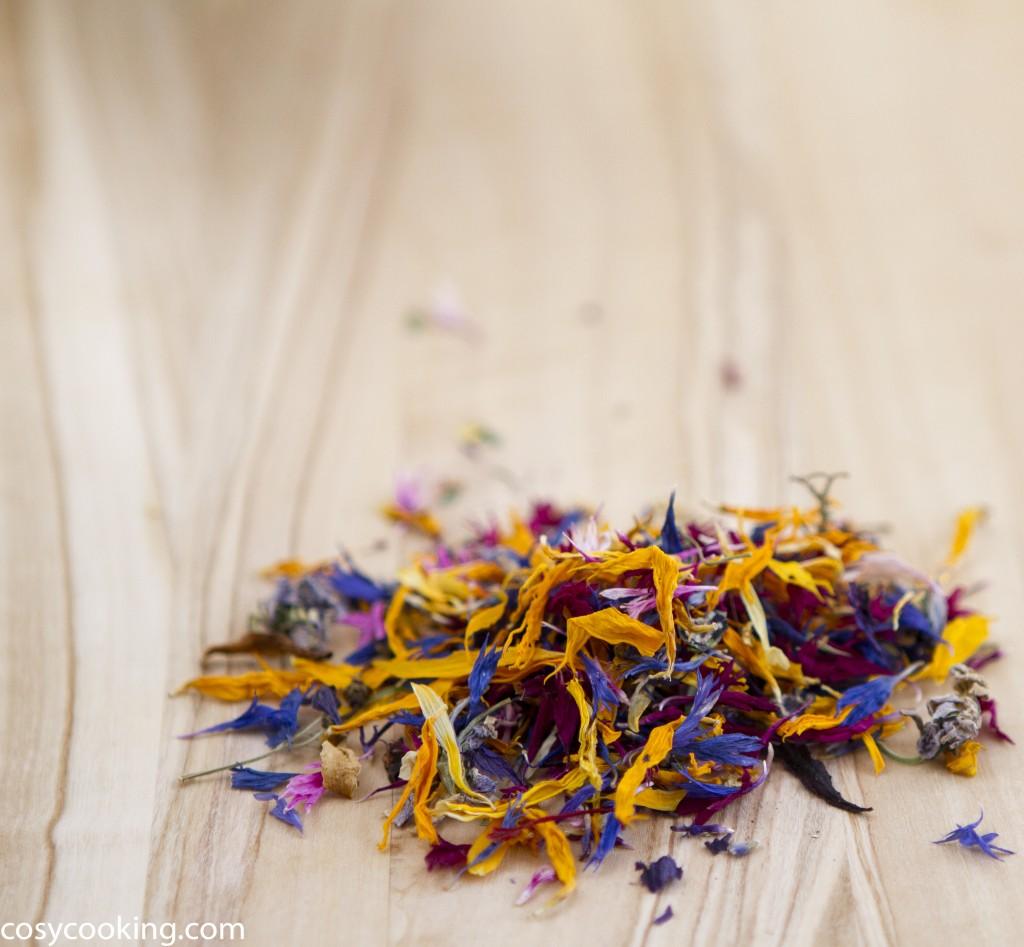 Getrocknete Blüten bunt blumig aromatisch gewürzblütensalz cosycooking